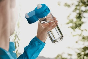 Носить воду в собственной бутылке