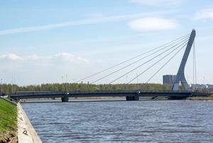 «Лучше бы Малафеева увековечили»: Жители Петербурга – о мосте Ахмата Кадырова