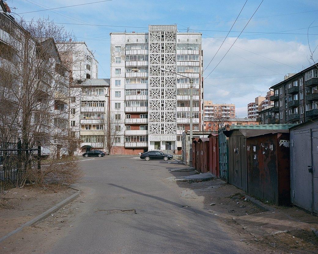 Фотограф Максим Шер — отом, изчего состоит постсоветский город. Изображение № 13.
