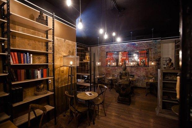 На улице Рубинштейна открылся ресторан с букинистическим магазином. Изображение № 2.