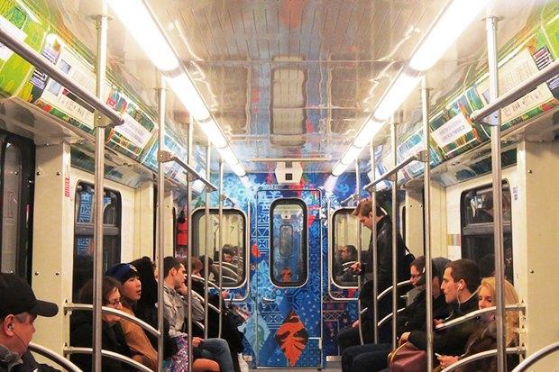 Фоторепортаж: Олимпийский поезд в московском метро. Изображение № 4.