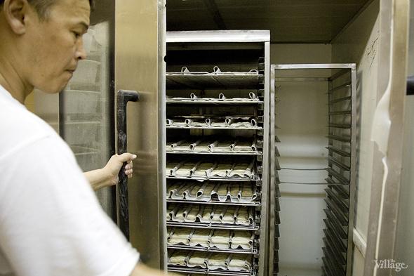 Фоторепортаж с кухни: Как пекут хлеб в «Волконском». Изображение № 18.