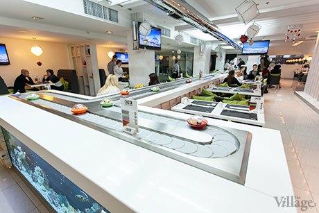 На Крещатике открылся ресторан с суши-конвейером. Изображение № 5.