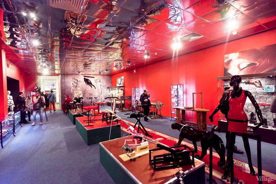 Люди в городе: Первые посетители музея эротики. Изображение № 19.