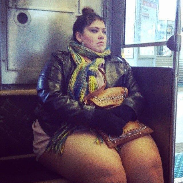Флешмоб «В метро без штанов» в снимках Instagram. Изображение № 38.