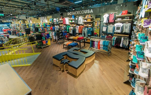В Петербурге открылся магазин товаров для экстремального спорта Boardriders. Изображение № 5.