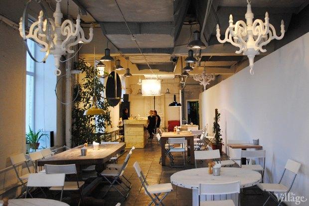 У кафе «Зелёная комната» в «Этажах» появился ещё один филиал. Изображение № 1.