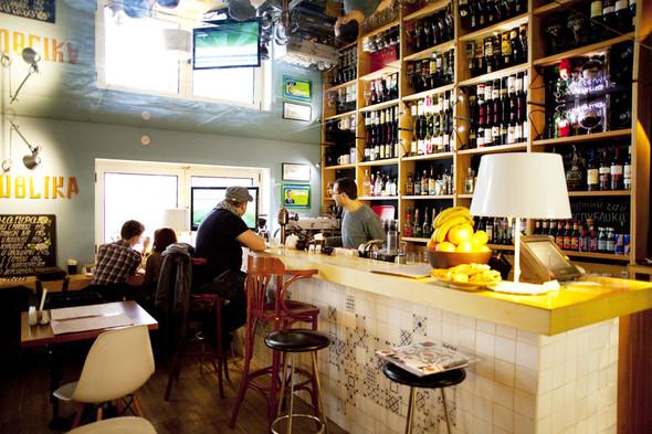 После прочтения съесть: 5 кафе при магазинах. Изображение №13.