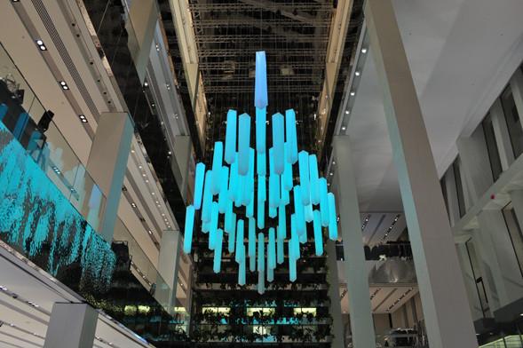 Изображение 16. В столичном универмаге появилась световая инсталляция.. Изображение № 2.