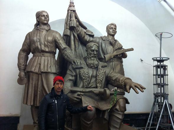 Торжественные и выдающиеся памятники в залах метро должны служить примером воли и мужества для проходящих мимо жителей города.. Изображение № 21.