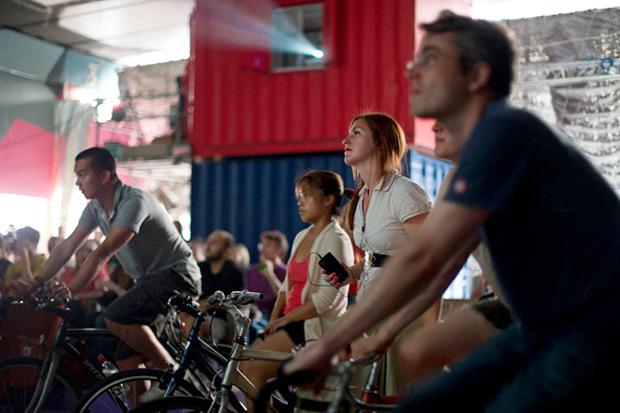 Идеи для города: Велосипедные кинотеатры вВеликобритании. Изображение №4.