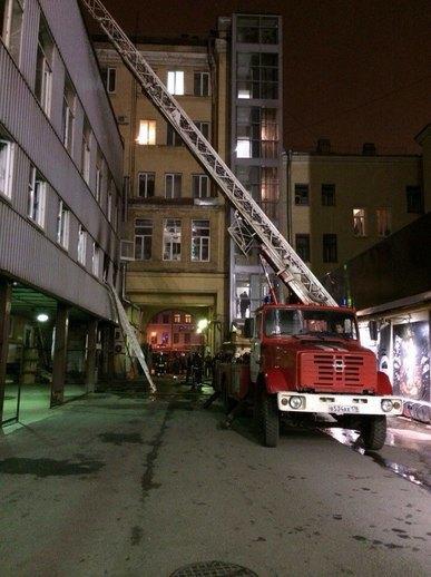 В «Этажах» на Лиговском произошел пожар. Изображение № 4.