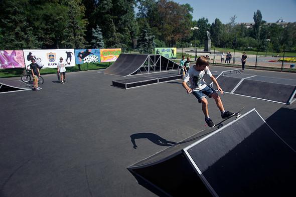 На Нивках открылся первый скейт-парк. Зображення № 5.
