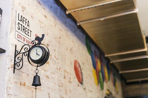 На Малой Бронной открылось кафе ближневосточной кухни Laffa Laffa. Изображение № 2.