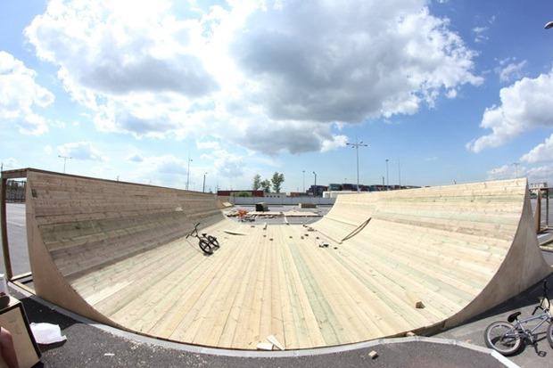 На Пулковском шоссе открылся один из крупнейших скейтпарков в России. Изображение № 5.