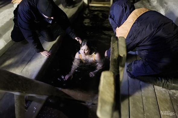 Изображение 21. В прорубь: Репортаж с крещенских купаний.. Изображение № 7.