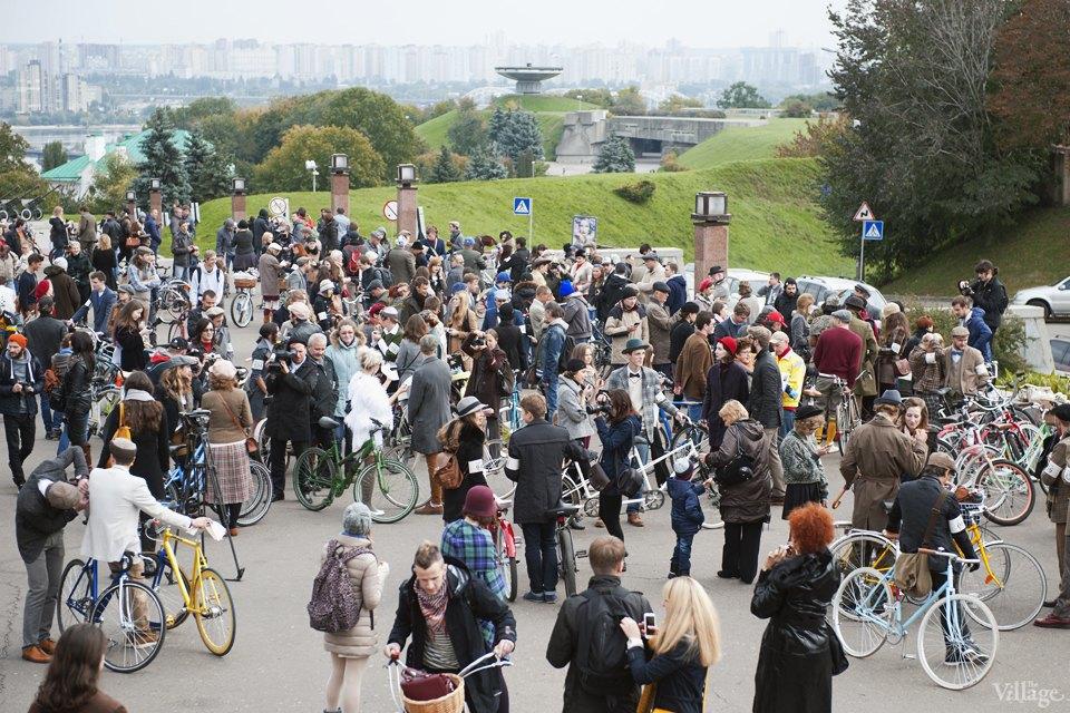 Твид выходного дня: Участники ретрокруиза — о своей одежде и велосипедах. Изображение № 4.