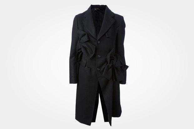 Пальто Comme Des Garçons за 41 340 рублей со скидкой 40 % (стоило 68 900 рублей). Изображение № 1.