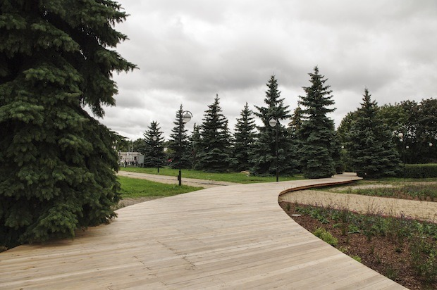 В парке «Музеон» построят деревянную лестницу для отдыха. Изображение №4.