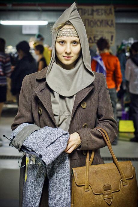 Люди в городе: Посетители Garage Sale о выгодных и спонтанных покупках. Изображение №33.