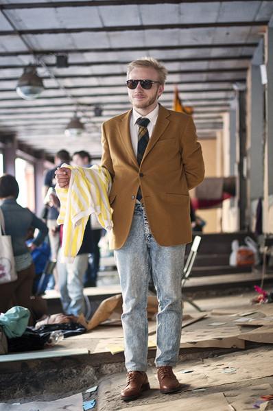 Фоторепортаж: Люди, покупки и опасные отходы на Garage Sale. Изображение № 46.