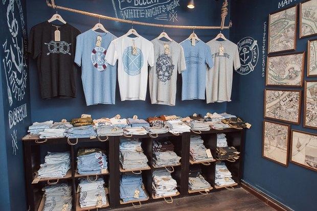 На Большой Морской открылся магазин одежды ссимволикой города. Изображение № 6.