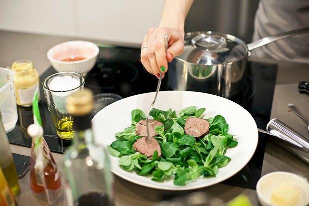 Шеф дома: Ростбиф-салат и тыквенная каша Мириам Сехон. Изображение № 58.