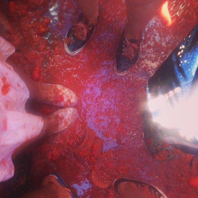 Битва помидорами вИспании вснимках Instagram. Изображение № 27.