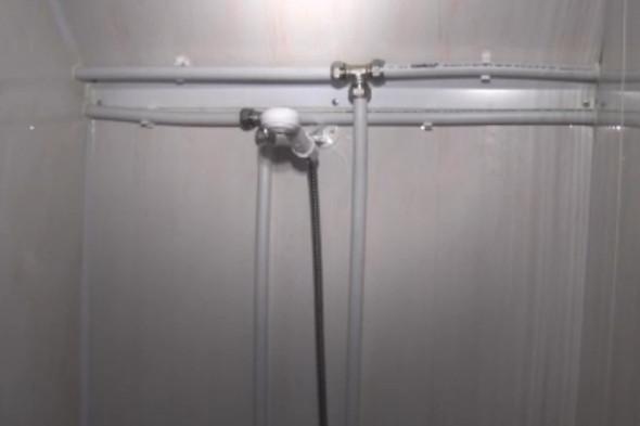 РПЦ изобрела мобильный душ для бездомных. Изображение № 4.