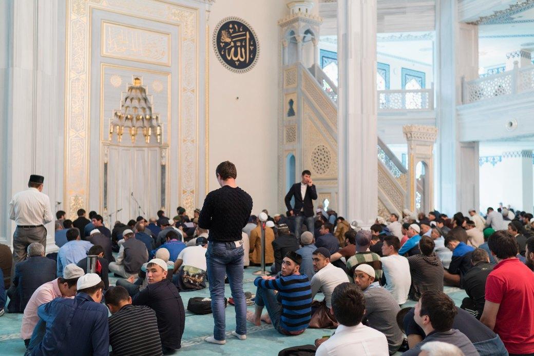 80-метровые минареты иместо для 10тысяч верующих — как выглядит Московская Соборная мечеть. Изображение № 19.