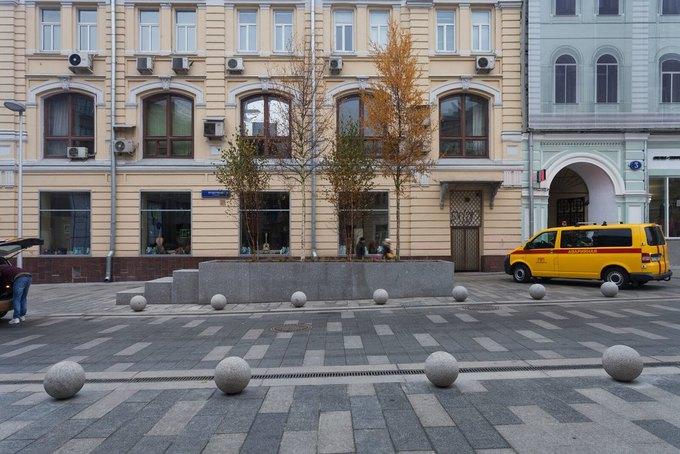 На Неглинной улице появились сквер и велодорожка . Изображение № 1.