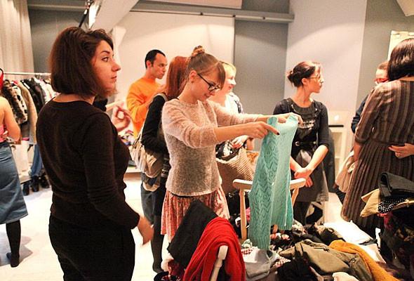 В Киеве можно будет обменяться ненужной одеждой и обувью. Изображение № 5.