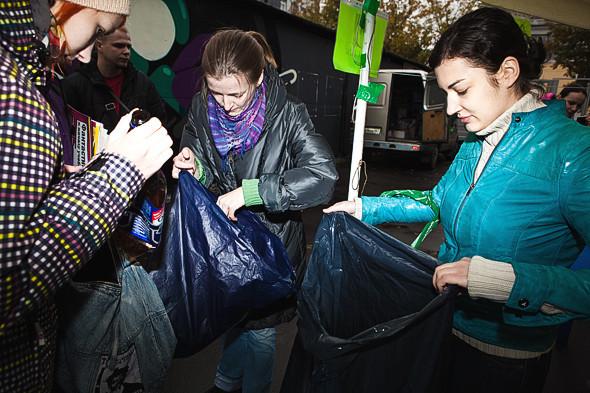 Эко Москвы: Участники акции «Зелёный weekend» о сборе вторсырья. Изображение № 2.