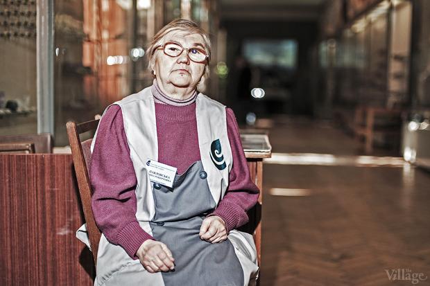 Люди в городе: Смотрительницы музеев — освоей работе . Зображення № 3.