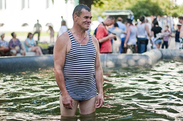 Фоторепортаж: День Военно-морского флота в Петербурге. Изображение № 46.