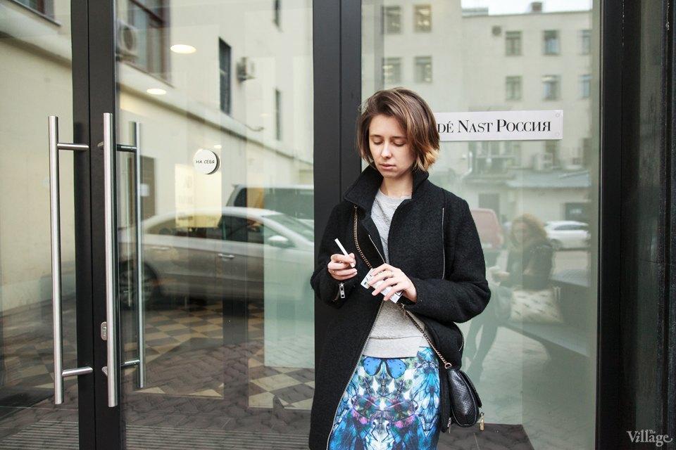 Люди в городе: Кто курит возле офисных центров. Изображение № 4.