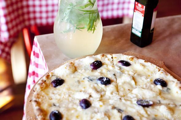 Пицца «Кватро Формаджи» — 480 рублей. Изображение № 27.