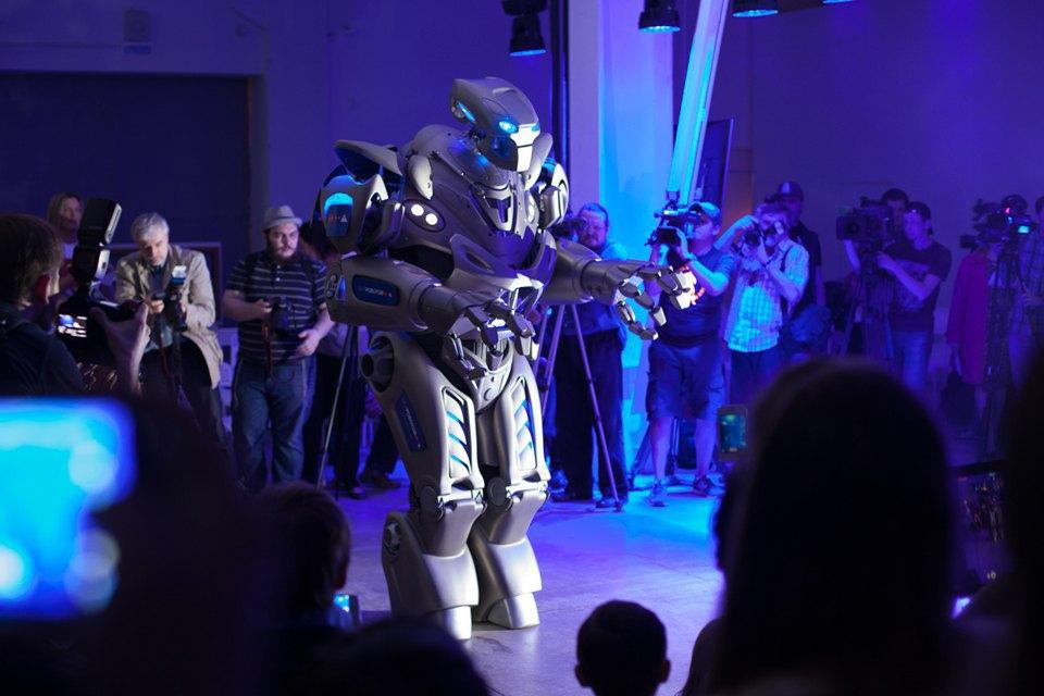 Как выглядит «Бал роботов» наArtplay. Изображение № 23.