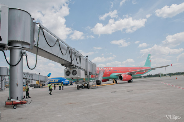 Фоторепортаж: В аэропорту Борисполь открыли самый большой на Украине терминал. Зображення № 29.