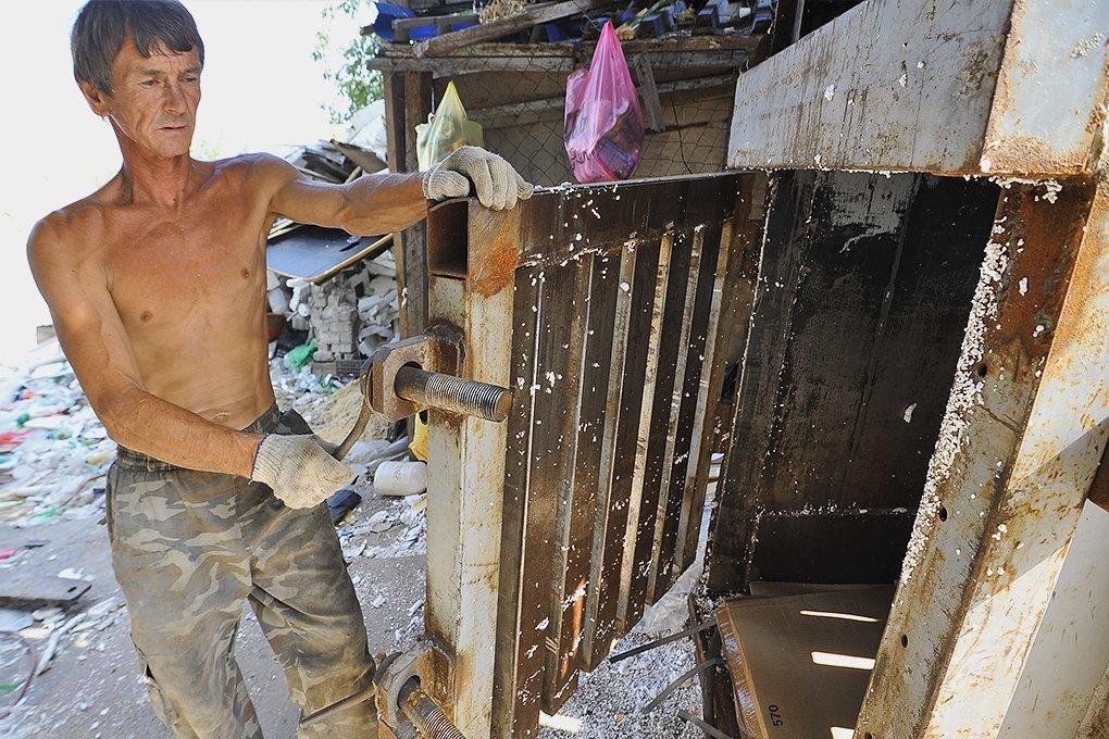 «ЮФО-Переработка»: Какволгоградский юристсталделать стройматериалы изотходов. Изображение № 3.