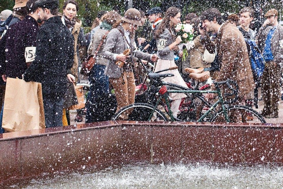С твидом на город: Участники велопробега Tweed Ride о ретро-вещах. Изображение № 47.