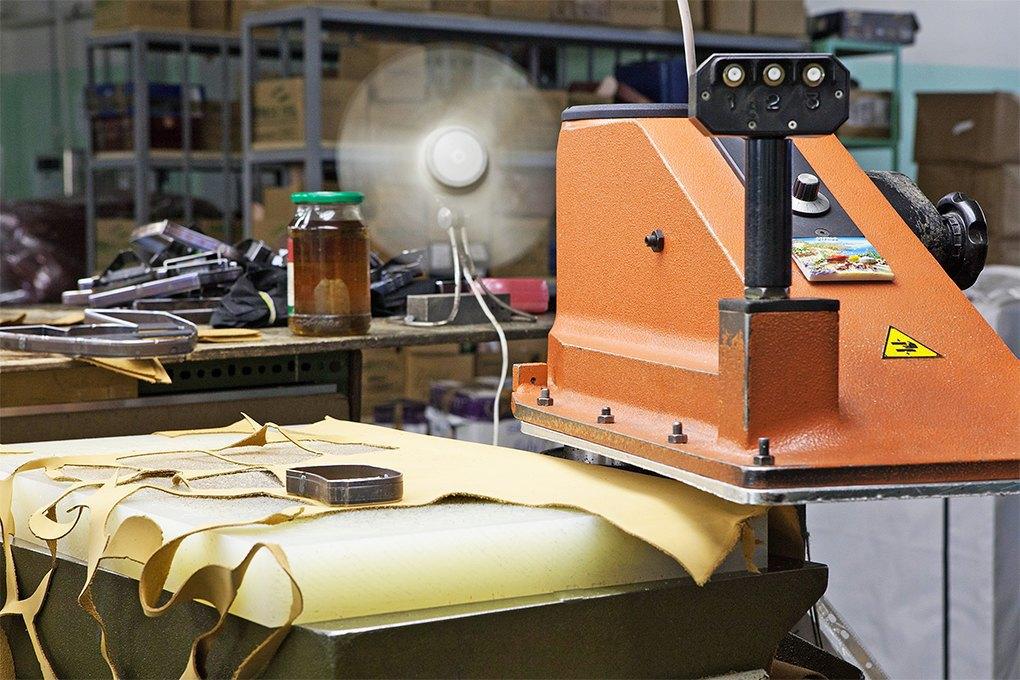 Производственный процесс: Как делают ботинки. Изображение № 4.