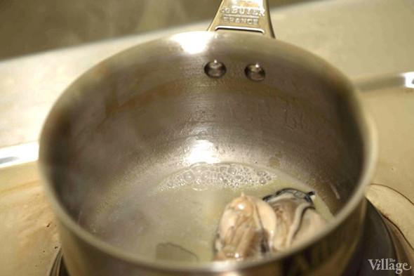 Omnivore Food Festival: Бенжамен Турсель готовит яйца конфи с копчёным чаем и сливами умебоши. Изображение № 7.