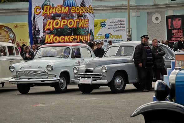 Универсальное поздравление: День города на московских улицах. Изображение № 5.