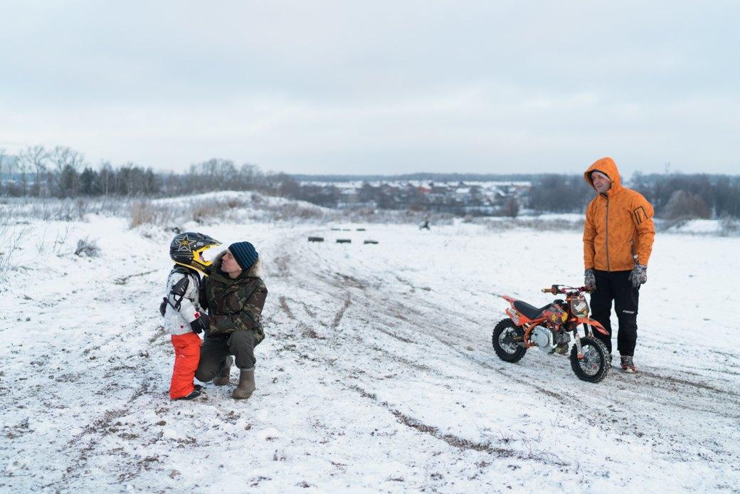 Мотодетки: Маленькие мотоциклисты иихродители — отом,зачем ребёнку гонки. Изображение № 6.
