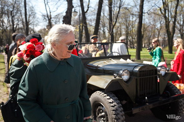 День Победы в Москве и Петербурге: Как гуляют и о чём вспоминают ветераны 9 Мая. Изображение № 72.