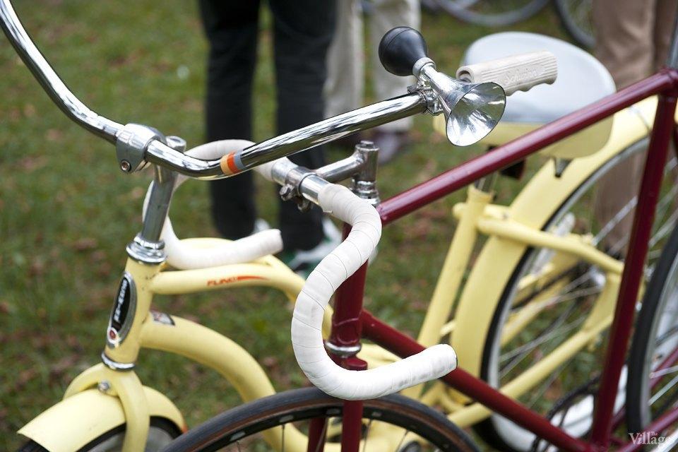 Твид выходного дня: Участники ретрокруиза — о своей одежде и велосипедах. Изображение № 3.