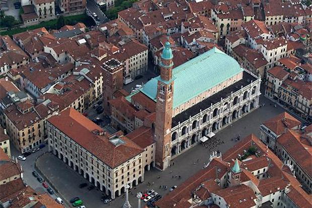 Базилика в Виченце, архитектор Андреа Палладио. Изображение №3.