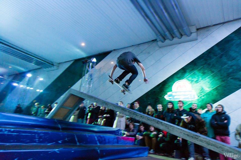 Фото ночи: Скейтерский чемпионат в метро. Изображение № 6.