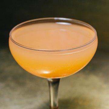 Пять праздничных коктейлей сигристым вином. Изображение № 11.